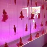 Mehr Barbies im Eingangsbereich